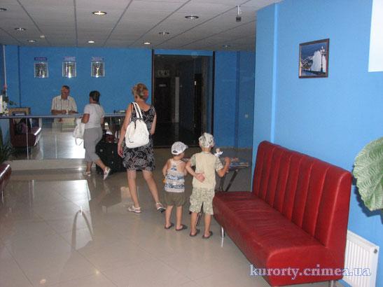 Дом творчества писателей им.Чехова, 1 этаж, холл.