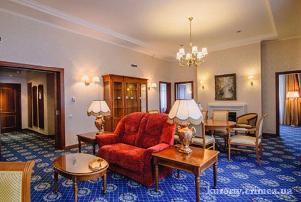 "Гостиница ""Ореанда"", гостиная в апартаментах"
