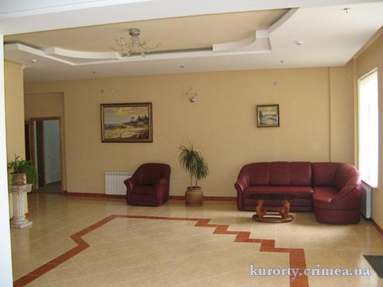 """Курорт-отель """"Демерджи"""", корпус №2, холл."""