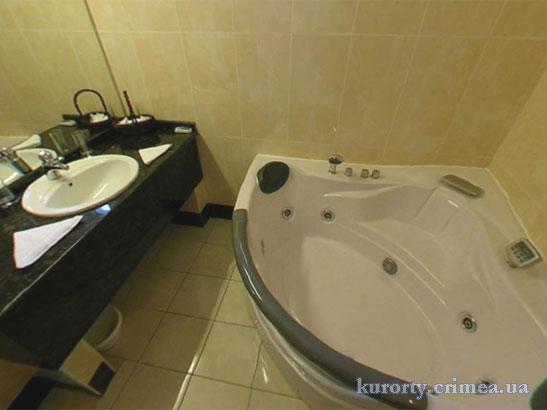 """Отель """"1001 ночь"""", Suite VIP (500), ванная с джакузи"""