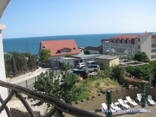 """Отель """"Бастион"""", корпус №1, двухместный номер с балконом, вид с балкона"""