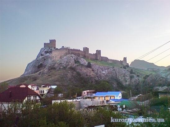 """Отель """"Бастион"""", вид на крепость"""