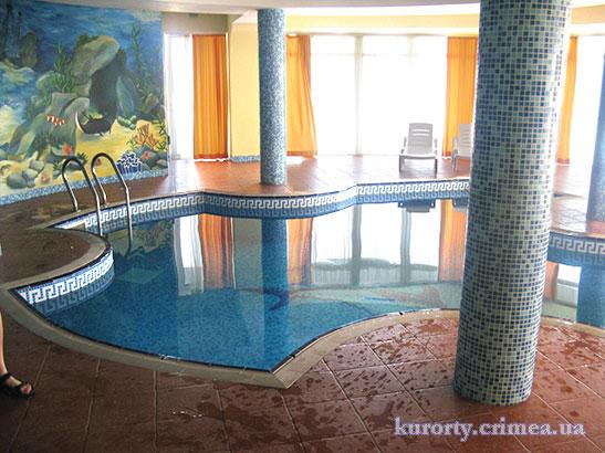 "Отель ""Маджестик"", крытый бассейн"