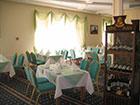 """Ресторан в отеле """"Пальмира-палас""""."""