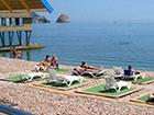 """Пляж отеля """"Веселый Хотэй""""."""