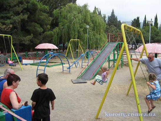 """Пансионат """"Канака"""", детская площадка."""