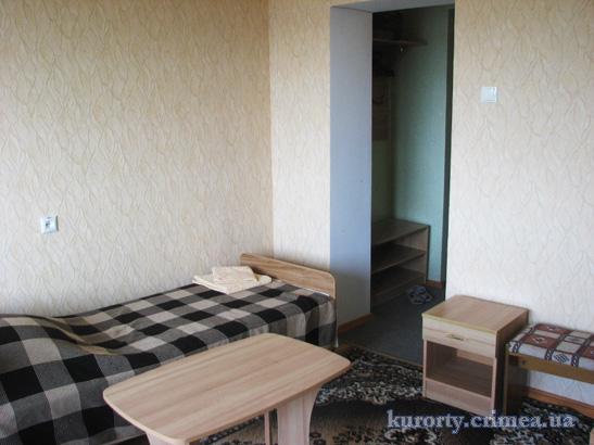 """Пансионат """"Украина-1"""", 3-местный номер в 5-этажном корпусе"""