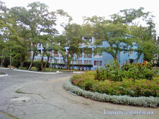 "Парк-отель ""Марат"", площадка перед корпусом 9."
