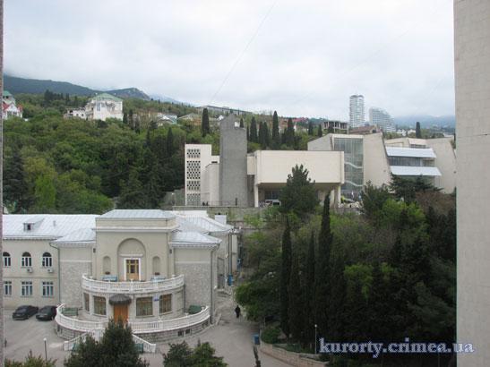 """Санаторий """"Ай-Петри"""", вид с балкона корпуса 10"""