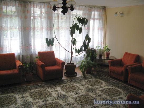 "Санаторий ""Алуштинский"", корпус 6, 1 этаж, гостиная."