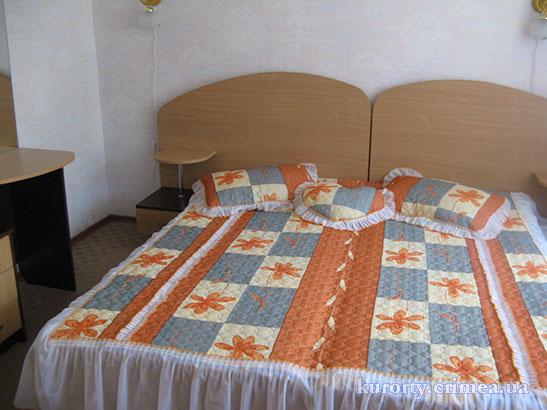 """Санаторий """"Киев"""", двухкомнатный двухместный люкс, спальня"""