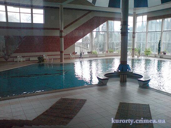 "Санаторий ""Киев"", бассейн в лечебном корпусе"